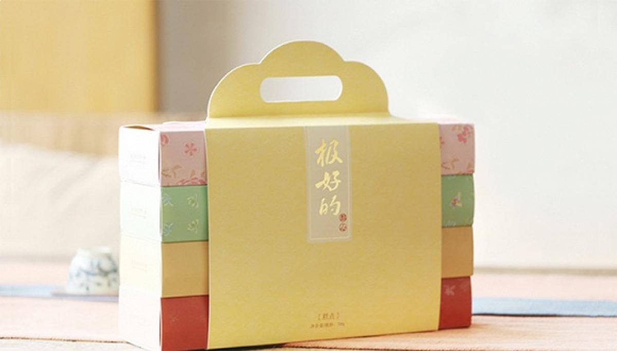 故宫淘宝携手稻香村再次跨界推出高颜值点心礼盒